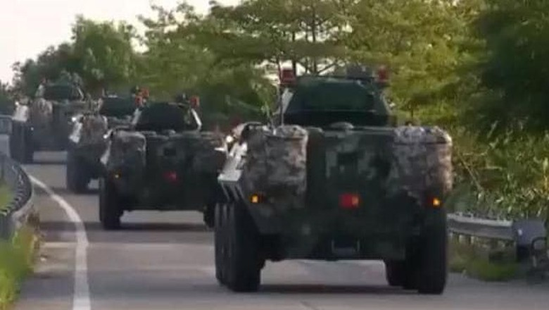 Kendaraan Tempur China Dikerahkan ke Perbatasan Hong Kong, AS Prihatin