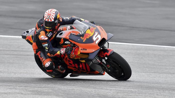 Johann Zarco tak menutup peluang tampil di Moto2 musim depan (AP Photo/Kerstin Joensson)