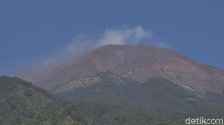 6 Hari Status Waspada, Begini Aktivitas Gunung Slamet Pagi Ini