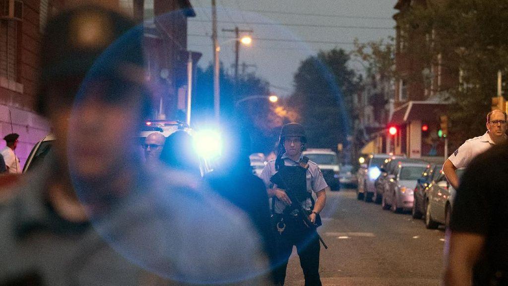 Penembakan di Philadelphia, Tim SWAT Selamatkan 2 Polisi yang Terjebak