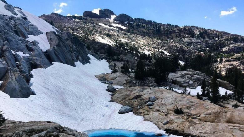 Ilustrasi salju di Taman Nasionaal Yosemite (@YosemiteNPS/Twitter)
