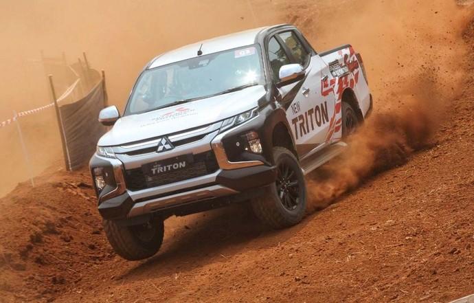 Menjajal Mitsubishi Triton di Habitat Aslinya