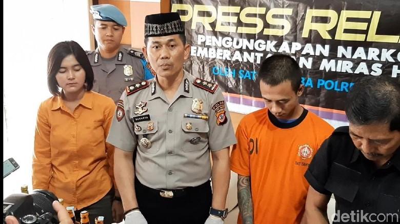 Polisi Tangkap Pemesan 2.000 Butir Hexymer di Ekspedisi Tasikmalaya