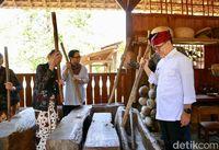 Menlu Retno Berburu Kuliner Banyuwangi, dari Ikan Bakar hingga Nasi Cawuk