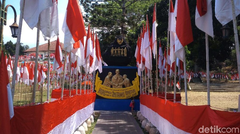 Wow! 10001 Bendera Menancap di Gedung Perundingan Linggarjati