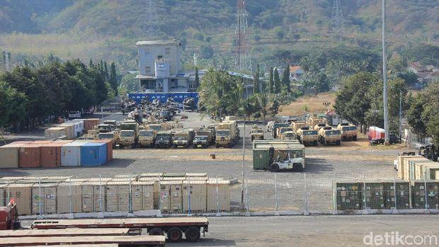 Alutsista US Army diparkir di Pelabuhan Tanjungwangi/