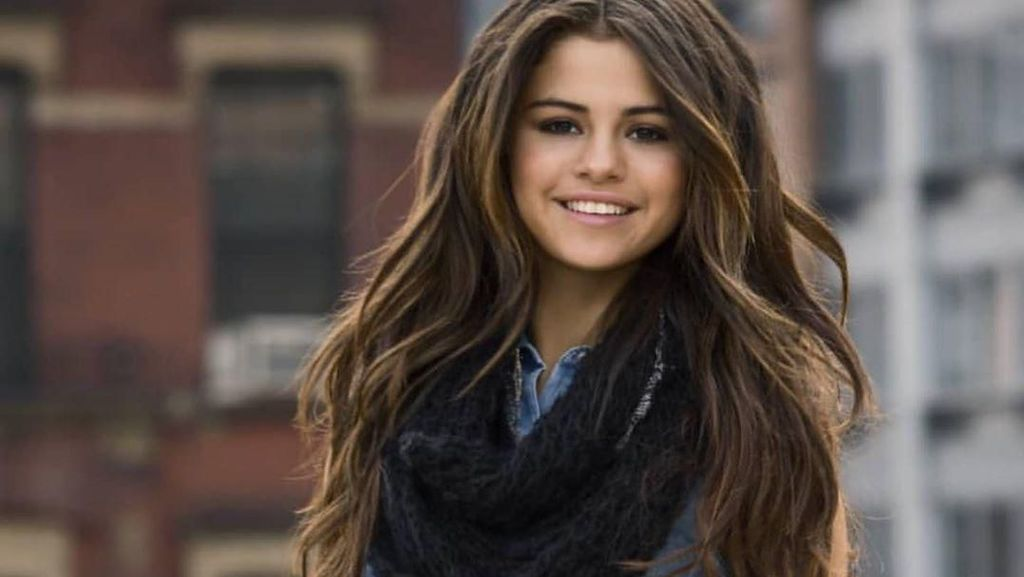 Selena Gomez Ingatkan Bahaya Cyberbullying