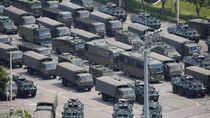 Kendaraan Militer China Rapatkan Barisan di Perbatasan Hong Kong