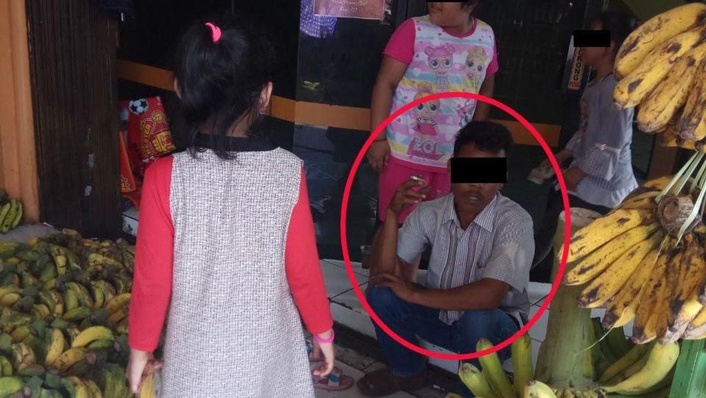 Cuma di Pasar Kramat Jati, Bebas Merokok di Depan Ruang Laktasi