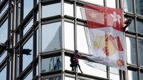 Serukan Perdamaian, Spiderman Asal Prancis Panjat Gedung di Hongkong
