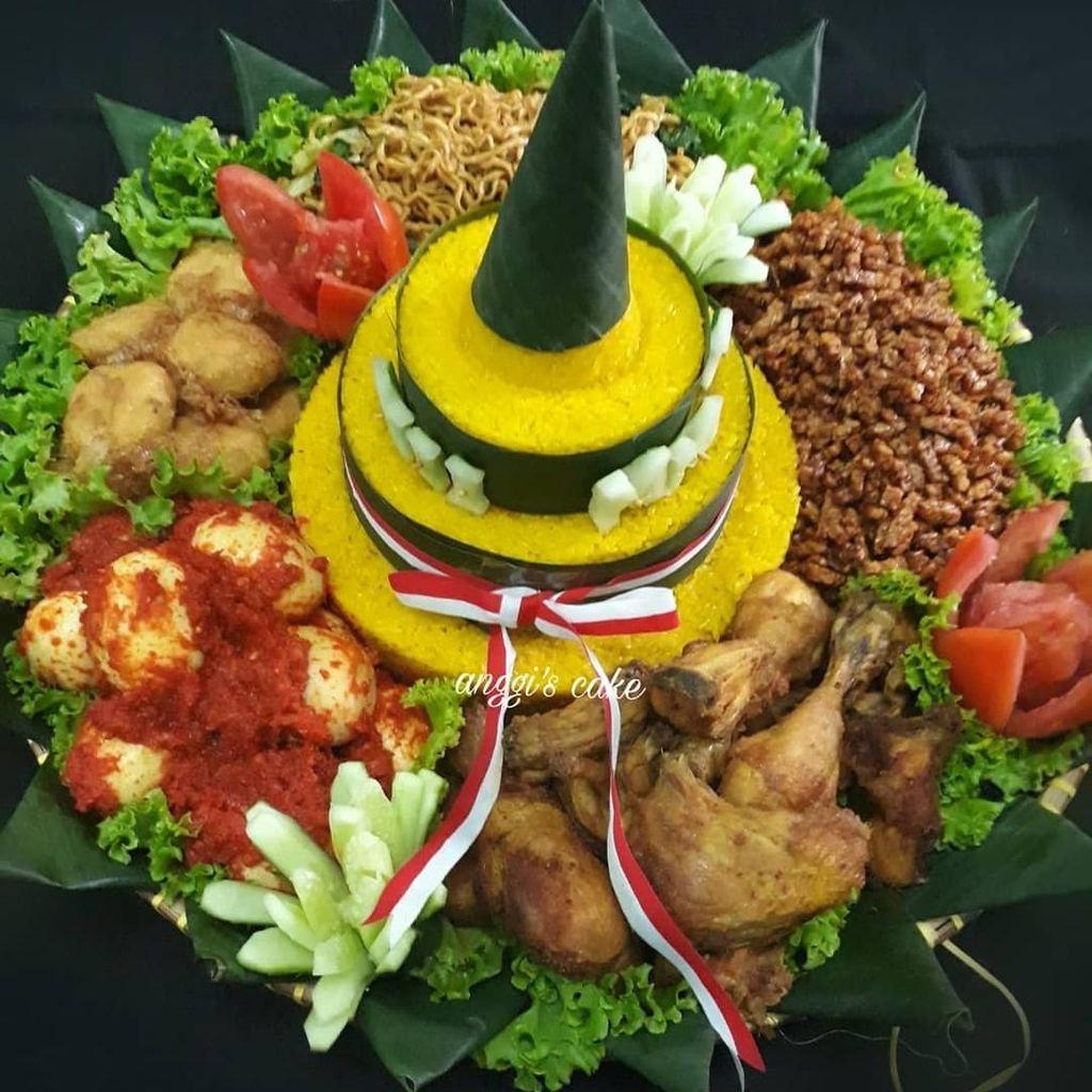 Merdeka! Tumpeng Nasi Kuning Ini Siap Meriahkan 17 Agustus
