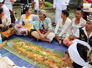 Ini 5 Tradisi Makan Bersama Khas Orang Indonesia
