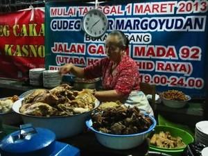 Bakmi, Soto dan Sate di Solo Ini Sudah Kondang Enaknya Puluhan Tahun