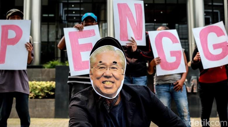 Aksi Unjuk Rasa Dukung KPK Bongkar Korupsi Impor Pangan