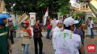 Asrama mahasiswa Papua di Jalan Kalasan, Surabaya, disatroni massa dari berbagai ormas