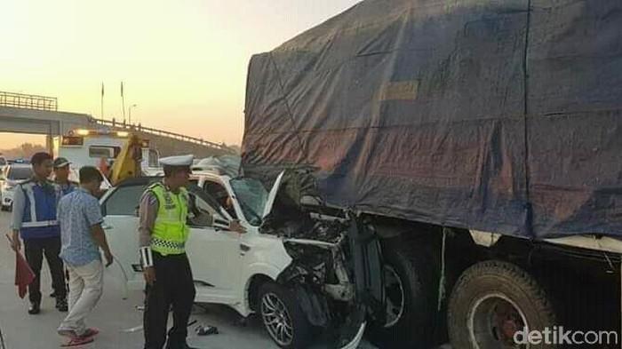 Kecelakaan di Tol Ngawi/Foto: Sugeng Harianto