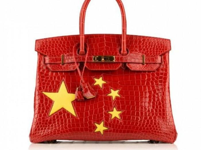 Hermes Birkin bertema bendera China. Foto: istimewa/Moda Operandi