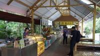 Berbagai minuman dan makanan buah segar juga mudah ditemukan di Pulau Hainan (Shinta/detikcom)