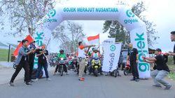 Keliling Indonesia, Driver Gojek Tularkan Semangat Baru