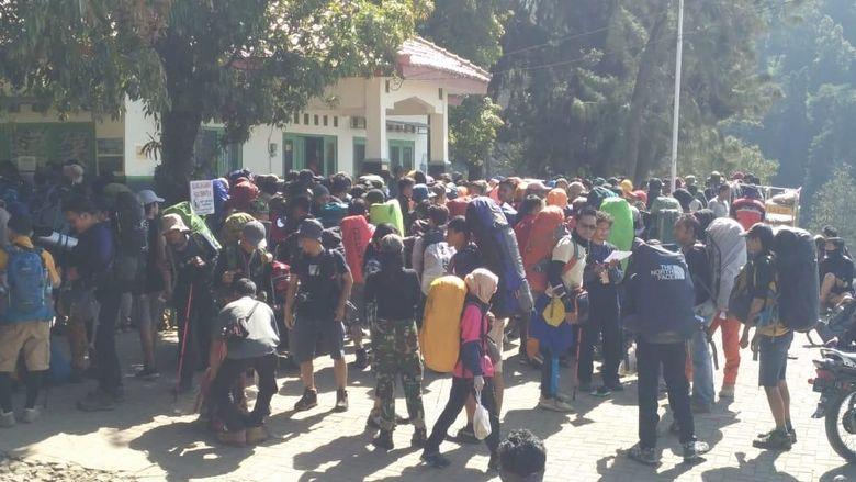 3000 pendaki di Gunung Merbabu