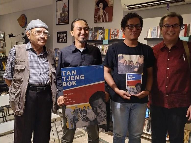 Sejarahwan Rushdy Hoesein (bertopi), Deddy  Otara, Fandy Hutari dan Didi Kwartanada. Foto: Sudrajat