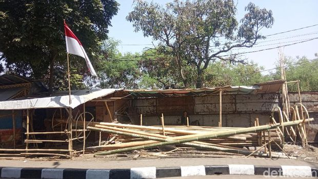 Hari Kemerdekaan, Pedagang Bambu-Pinang di Bandung Ketiban Untung