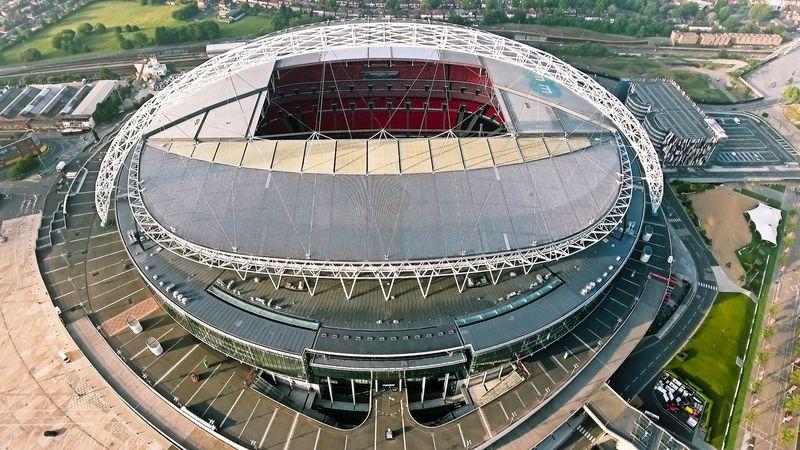 Stadion sepakbola yang berada di Wembley, Inggris ini memiliki toilet sebanyak 2.618 buah. (iStock)