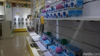 Berbagai barang kesehatan di toko penghasil bambu juga banyak dijual pada wisatawan (Shinta/detikcom)