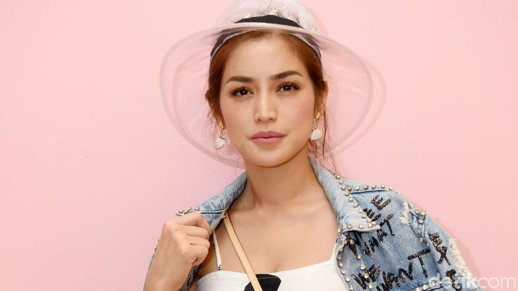 Sudah Tetapkan Tanggal, Jessica Iskandar Sulit Cari Tempat Nikah