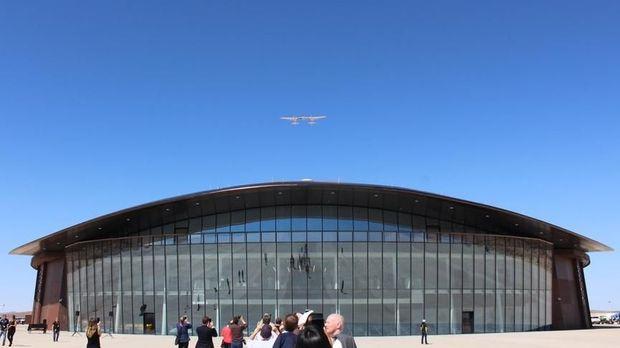 Virgin Galactic Buka Fasilitas Penerbangan ke Luar Angkasa
