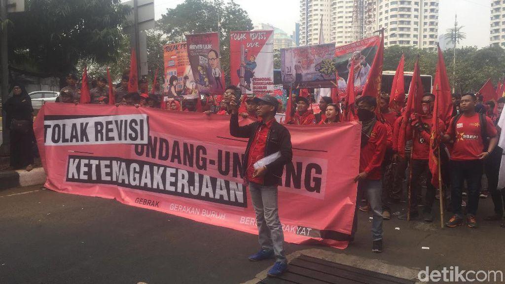 Ini Materi RUU Ketenagakerjaan yang Bikin Puluhan Ribu Buruh Demo