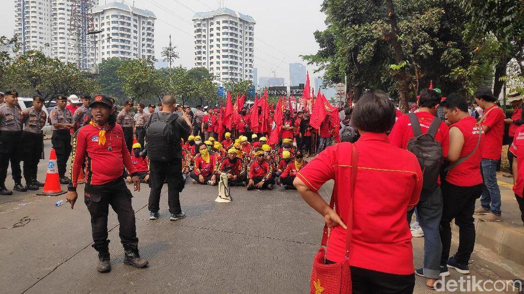 Demo di DPR, Buruh Minta Bertemu dengan Puan