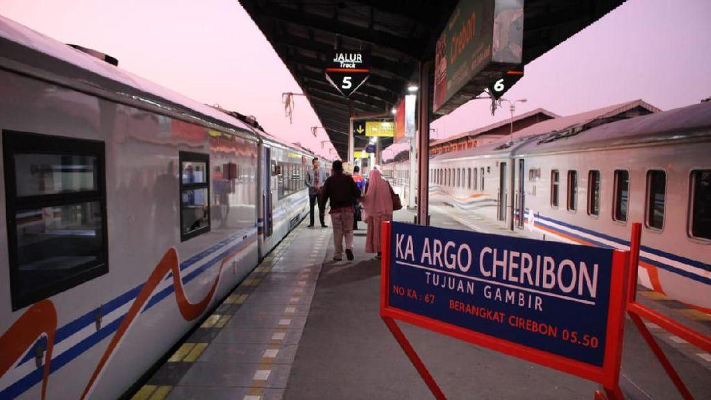 Tiga Kereta Rute Cirebon Ganti Nama Jadi Argo Cheribon