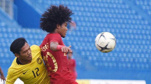 Timnas Indonesia U-18 kalah karena bermain dengan 10 pemain.
