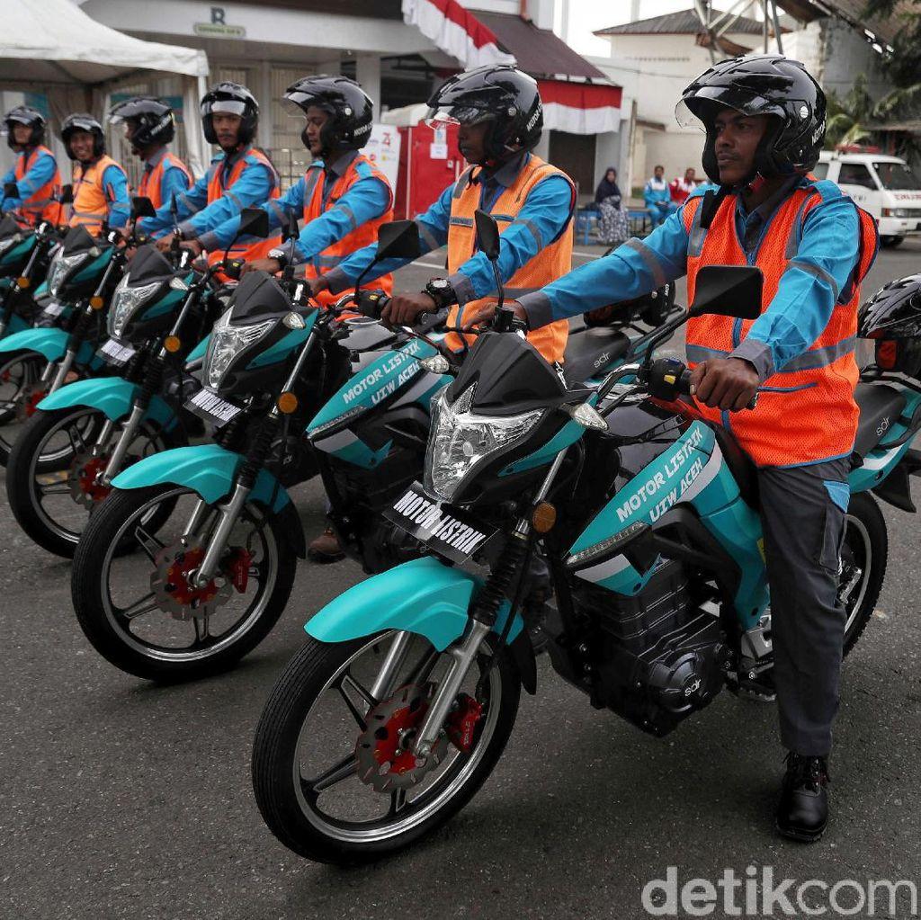 Ini Lho Motor Listrik Tunggangan Petugas PLN di Aceh