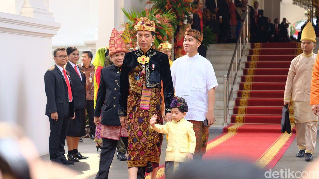 Jokowi dan Jan Ethes di Istana jelang HUT ke-74 RI (Andhika Prasetia/detikcom)