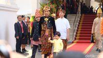 Foto: Gaya Jokowi dengan Baju Adat Klungkung, Bali di Upacara HUT ke-74 RI