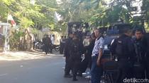 Ini yang Membuat Polisi Tembakkan Gas Air Mata ke Asrama Mahasiswa Papua
