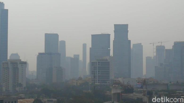 Data AirVisual Sabtu Siang: Udara Jakarta Terburuk Ke-3 di Dunia