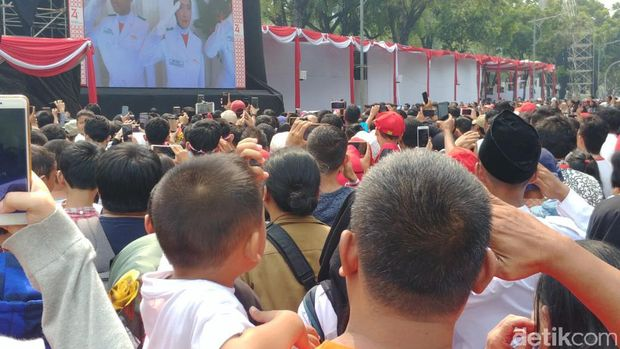 Suasana di depan Istana saat upacara HUT ke-74 RI berlangsung