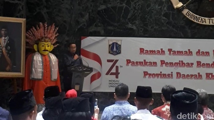 Gubernur DKI Anies Baswedan menggelar ramah tamah bersama paskibraka DKI (Dwi Andayani/detikcom)