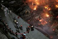 Setidaknya 15.000 rumah terbakar