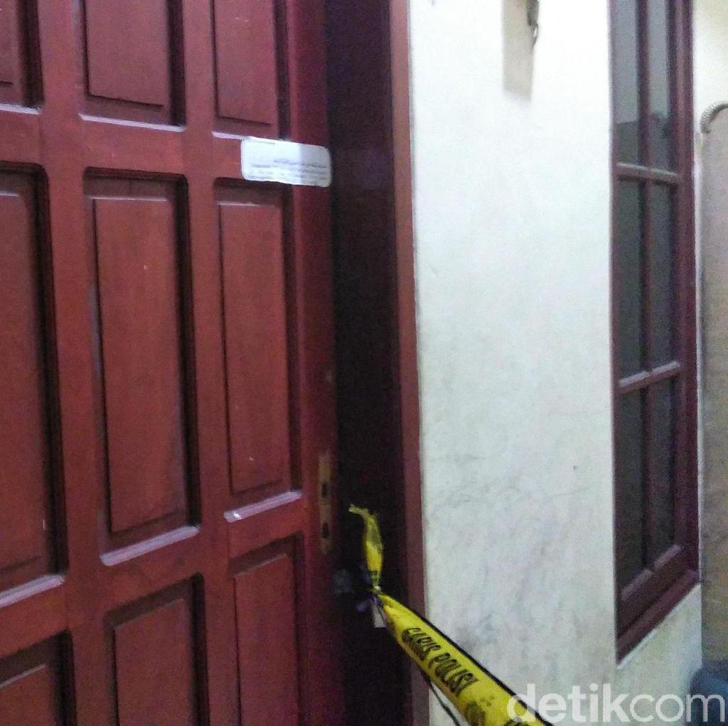 Sejumlah Barang Dibawa Polisi Usai Geledah Kos Pria Penyerang Polsek Wonokromo