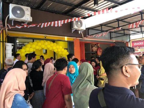 Rayakan Kemerdekaan RI, Kaesang Pangerep Buka Sang Pisang di Sidoarjo
