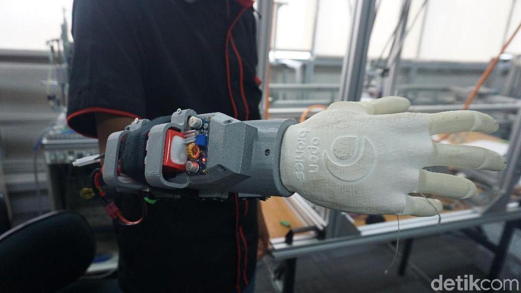 Bikin Bangga! Tangan Bionik Keren Ini Buatan Tangerang Lho