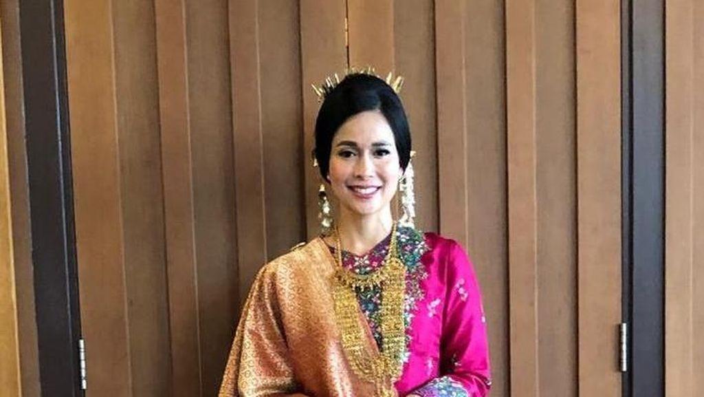 Rancak Bana, Cantiknya Istri Mensos Loemongga Berbaju Adat Minang