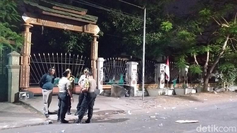 Polisi Selidiki Pelaku Pembuangan Bendera Merah Putih di Asrama Papua