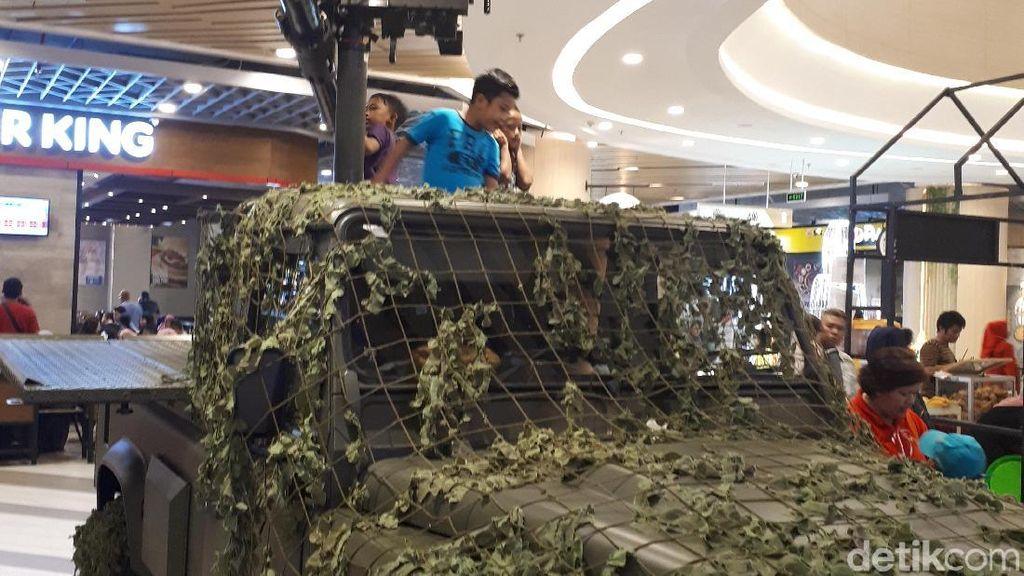 HUT RI Ke-74, TNI Pamer Alutsista di Mal Pekanbaru