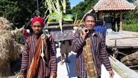 Acara pernikahan ternyata bukan hanya manusia saja, seperti yang ada di Pedukuhan Onggopatran, Desa Srimulyo, Kecamatan Piyungan, Kabupaten Bantul. Warga di pedukuhan tersebut menikahkan lumpang dan alu, dua alat tradisional untuk mengolah hasil pertanian.