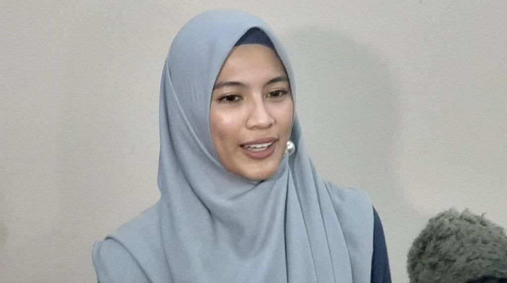 Alyssa Soebandono Ikhlas Dude Harlino Naik Haji Seorang Diri